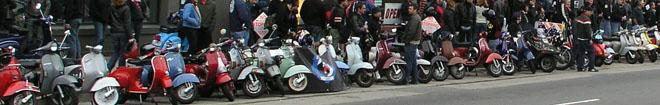 klassieke vespa scooters